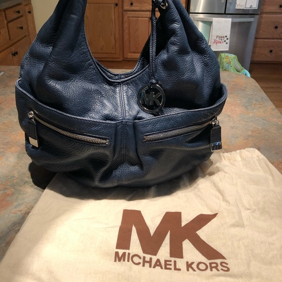 e26dae266ca1 Michael Kors Bags   Layton Large Shoulder Tote   Poshmark